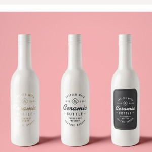 Бесплатный мокап керамических бутылок